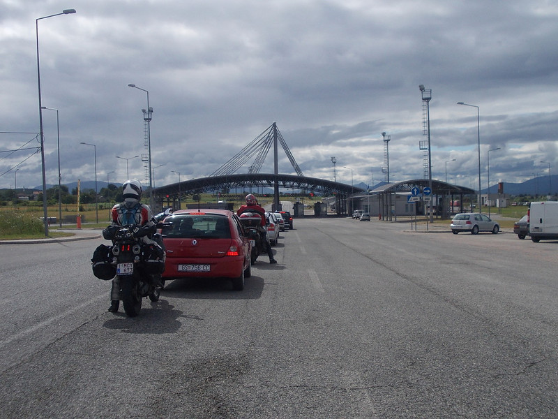 Queing at the Bosnian border