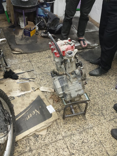 One busted Husqvarna TR650 Engine