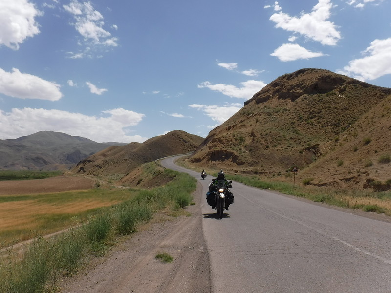 Exploring the mountains of North-Western Iran with Hette and Mirjam