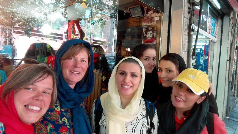 Sofie and Mirjam hanging out with the female Iranian taekwondo team